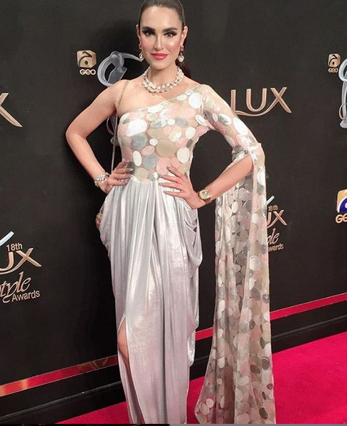 Amna Hussain for lux awards 2019