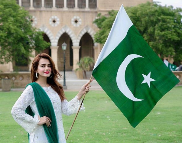 sumbal iqbalpakistani celebrity on independence day of pakistan
