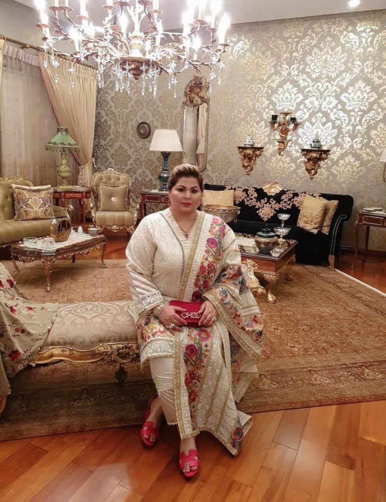 Dr.Shehla Zahid luxury blogger